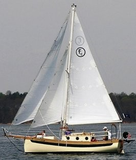 Sail Far Live Free - Relent to Water Wanderlust!: Go Small and Go